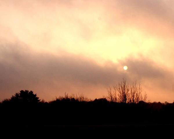 Sunrise_and_fog