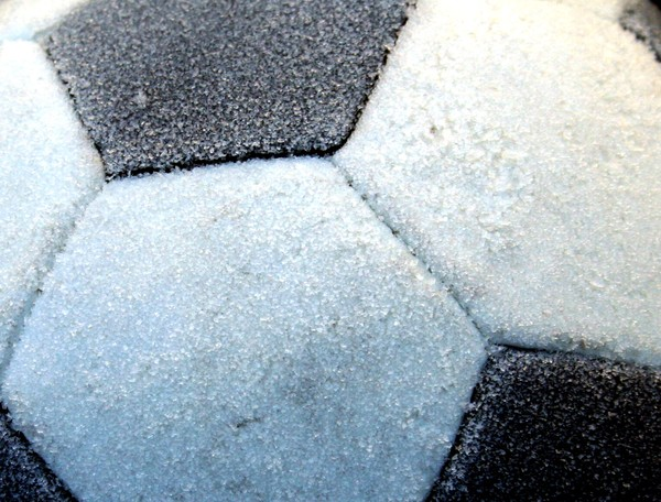 Frost_on_soccer_ball